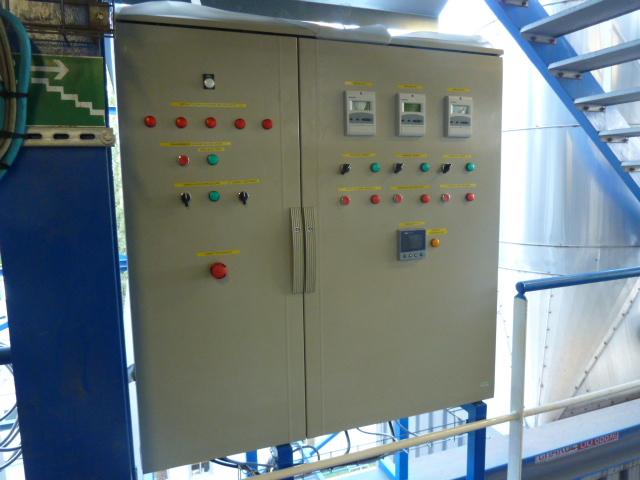 Montage d'une armoire de commande pour brûleur industriel